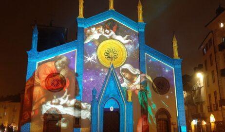 Pinerolo. Le luci di Natale spiegate dal vescovo Derio