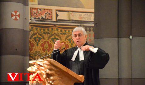 [photogallery]. Il pastore Gianni Genre predica in Cattedrale