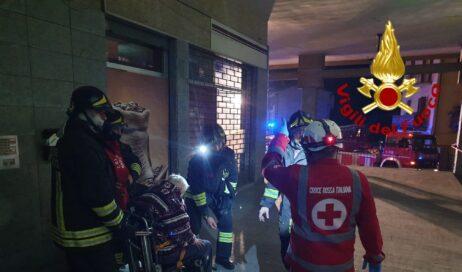 Luserna. Incendio in un condominio: 13 persone intossicate