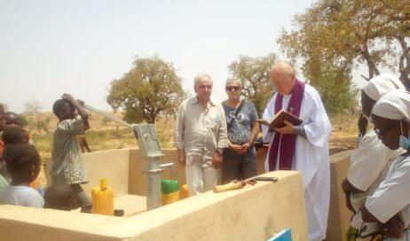#cronacheafricane. Monsignor Debernardi festeggia l'8 marzo con un pozzo nuovo