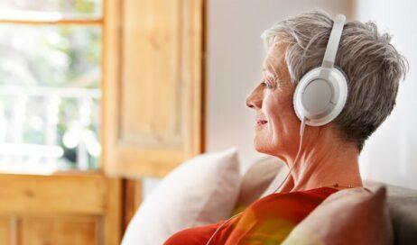 """Al via il nuovo servizio """"Ascoltatori di Vita"""". Il giornale anche per chi non può leggere"""