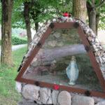 [photogallery]. Villar Perosa: una nuova grotta della Madonna dietro a San Pietro in Vincoli
