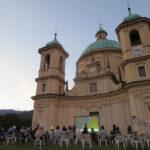 [photogallery]. Fredo Valla e Bogre protagonisti a Villar sul sagrato di San Pietro