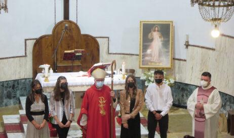 [photogallery]. Dubbione: il vescovo Derio conferisce la cresima